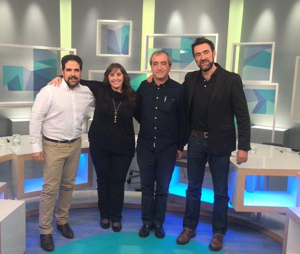 Raúl Díaz de Arkaia - candidato al Congreso por Araba -,  seguido de los representantes de PACMA, Recortes Cero y Ciudadanos